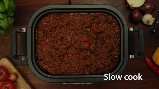 CSC024-Lifestyle-Slow-Cook.jpg